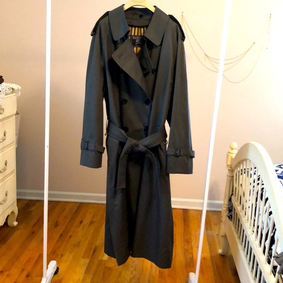 Authentic Burberry Belt Trench Coat Wool Lined 44R